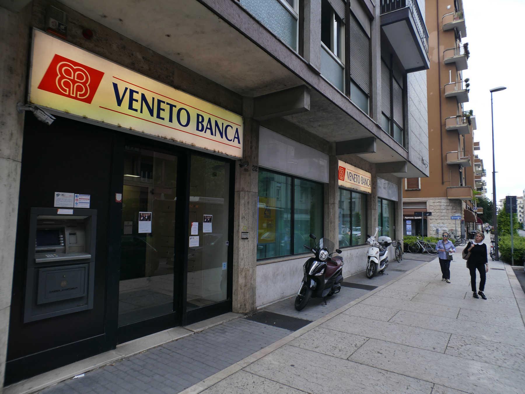 nell u nza penale del processo di Veneto Banca a Roma il giudice ha autorizzato le parti civili a citare e responsabile civile Intesa Sanpaolo
