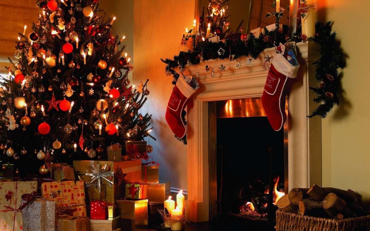 Regali Di Natale Per Coppia.Padova Rubavano I Regali Di Natale Arrestati Due Albanesi