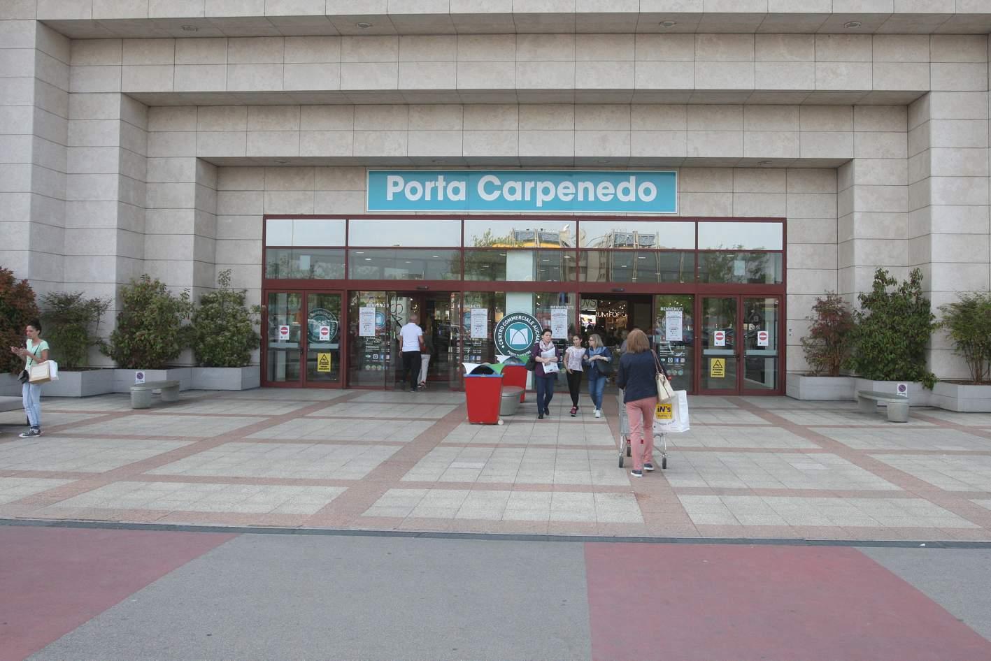 L Auchan di Mestre ha aperto il 25 Aprile a9e02025eb8