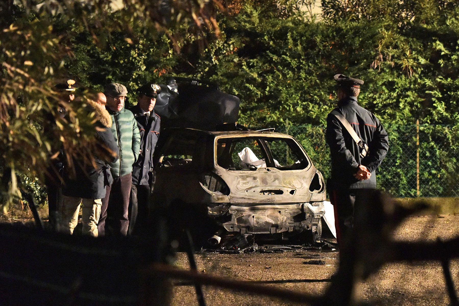 1dc8c215b7 L'auto in cui Ahmed Fdil è stato ucciso bruciato vivo da due ragazzini di