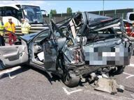 Tir contro tre auto, incidente sulla rotonda per la Romea: un morto
