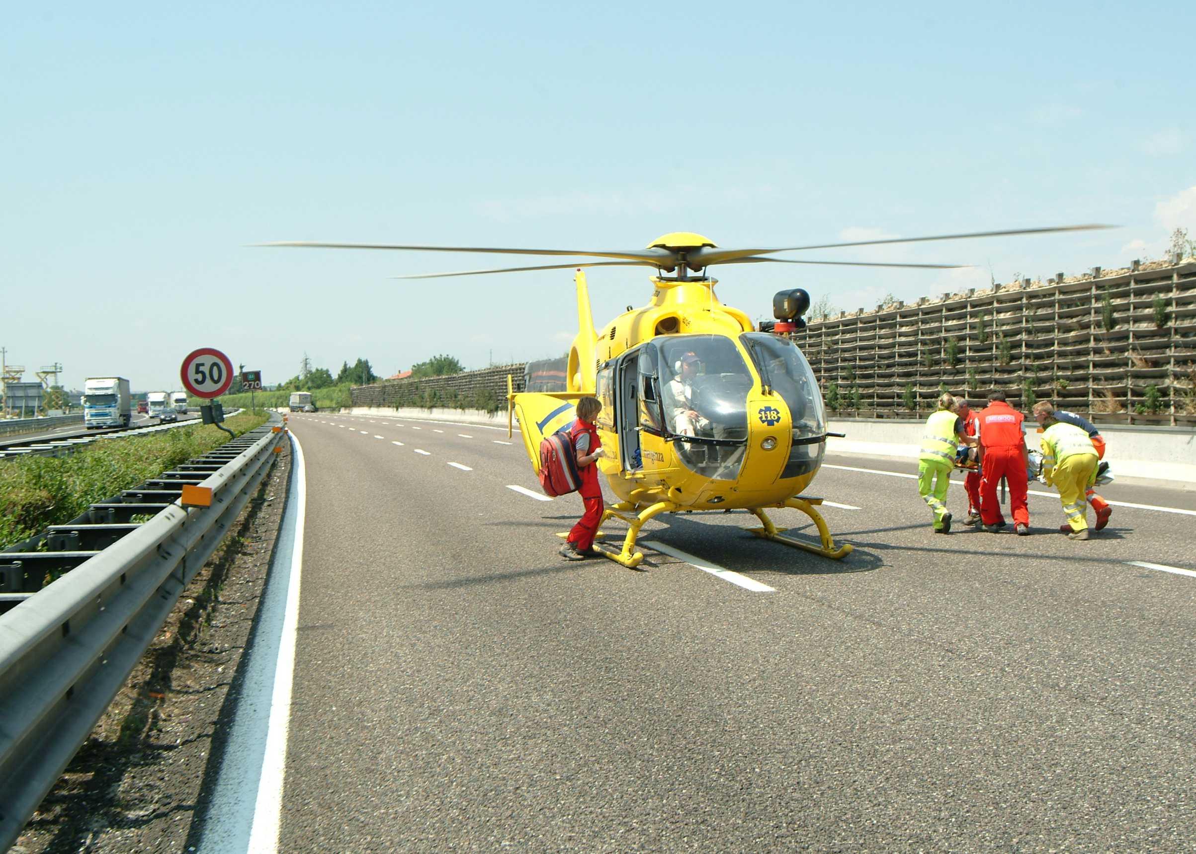 Elicottero 118 Verona : Verona incidente sull autobrennero sei feriti investito