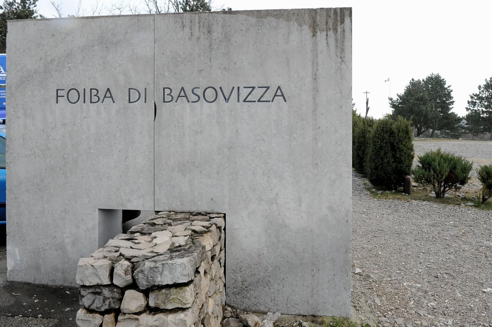 Il monumento in memoria delle vittime della foiba di Basovizza (Trieste)