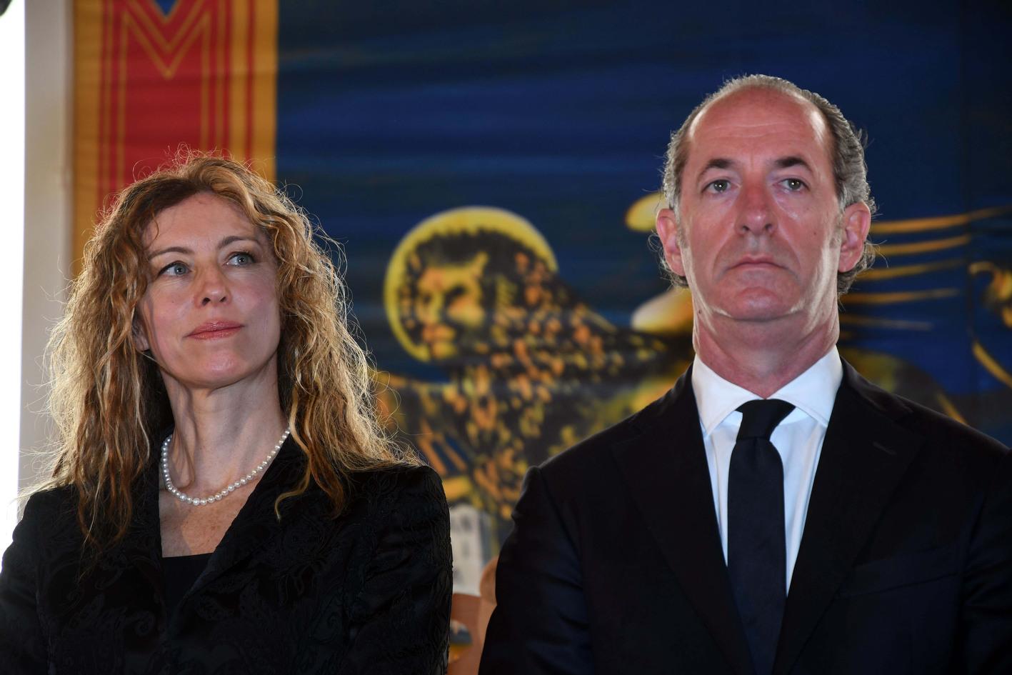 Il ministro Erika Stefani e il governatore Luca Zaia (archivio)