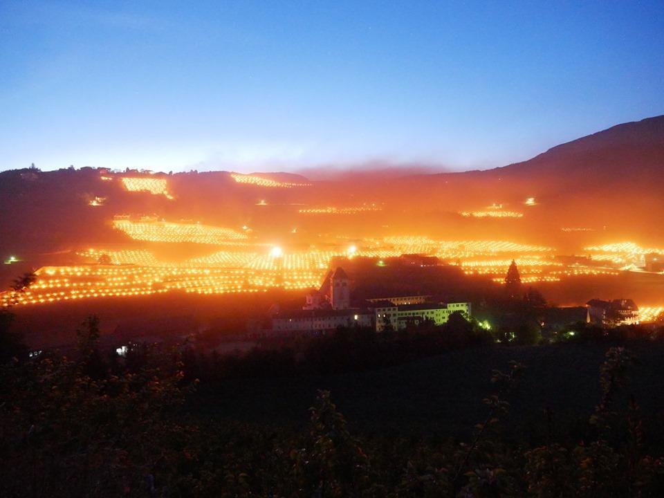 Cucine Usate Trentino Alto Adige.Maggio Troppo Rigido In Trentino Alto Adige Candele E Falo