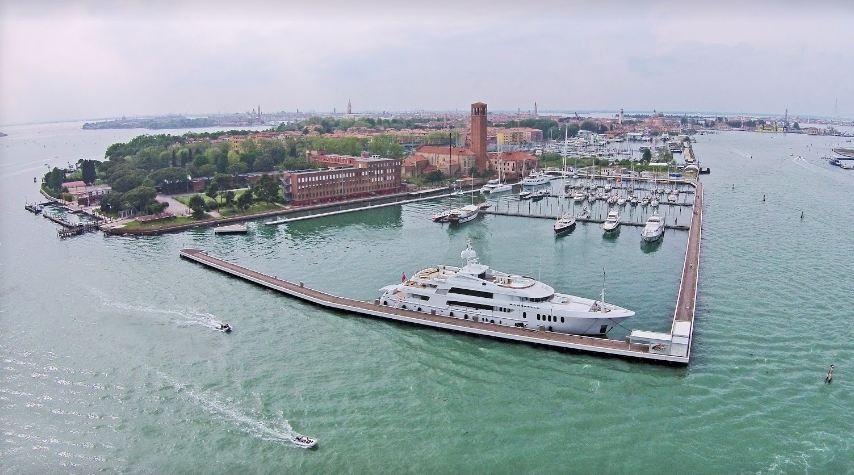 Venezia, gli «hotel galleggianti» erano abusivi: sequestrati ...