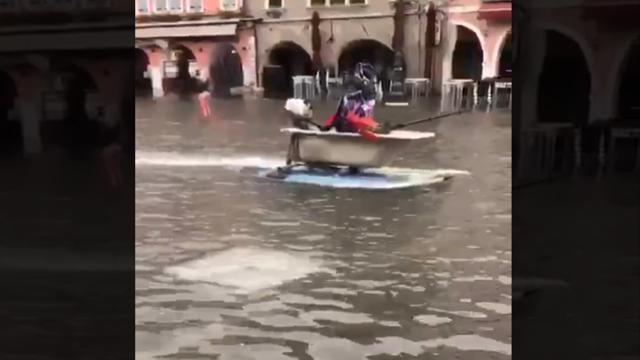 Vasche Da Bagno Water : In vasca da bagno in piazza corriere tv