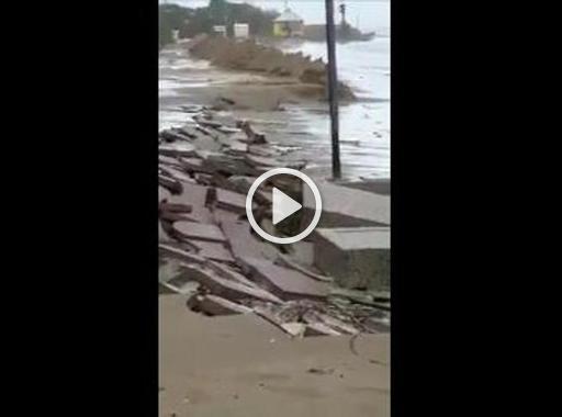 Venezia, acqua alta: i danni della mareggiata a Jesolo - Corriere della Sera